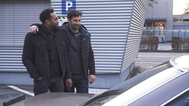 Video «Bringen Salar und Ändu ihren Rover durch die MFK?» abspielen