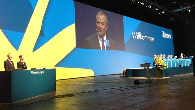 Vize-Präsident Christoph Lengwiler führt durch GV der Luzerner Kantonalbank