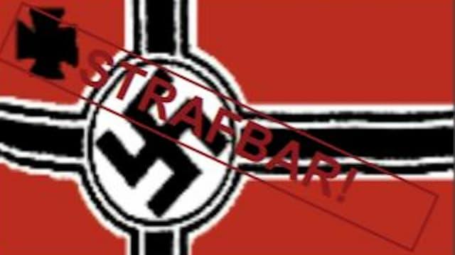 Laut dem deutschen Verfassungsschutz: strafbar. Die Reichkriegsflagge mit Hakenkreuz.