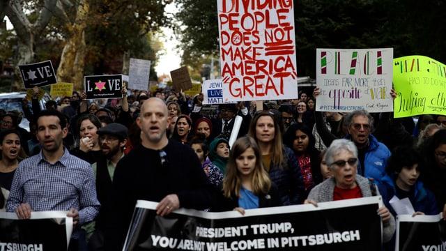 Während des Besuchs von Donald Trump kam es in Pittsburgh zu Protesten.