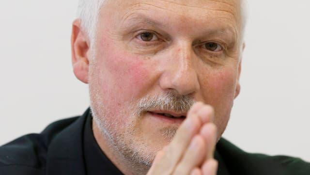Porträt Peter Gomm