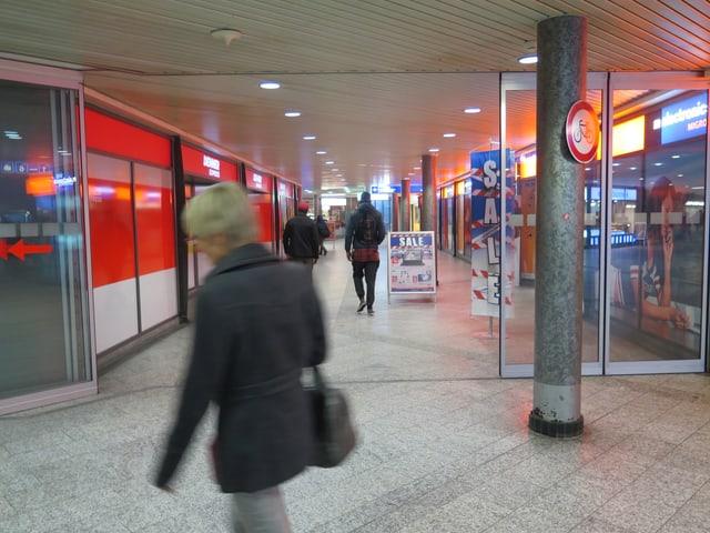 Die Ladenpassage im Wiler Bahnhof.