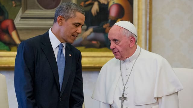 Papst Franziskus (rechts) und Barack Obama (links)