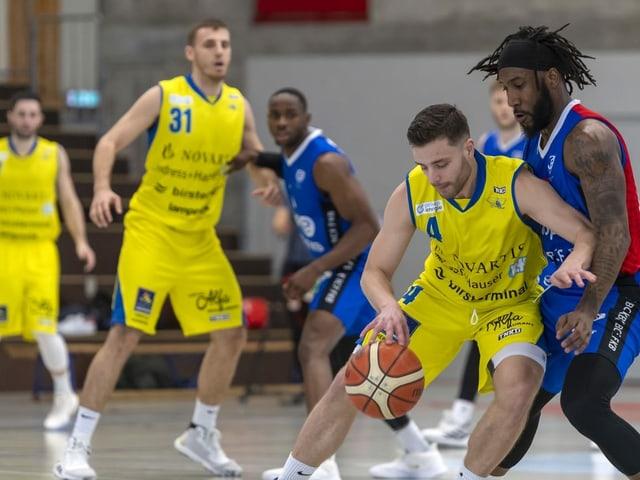 Ein Basketballspiel in der Schweiz