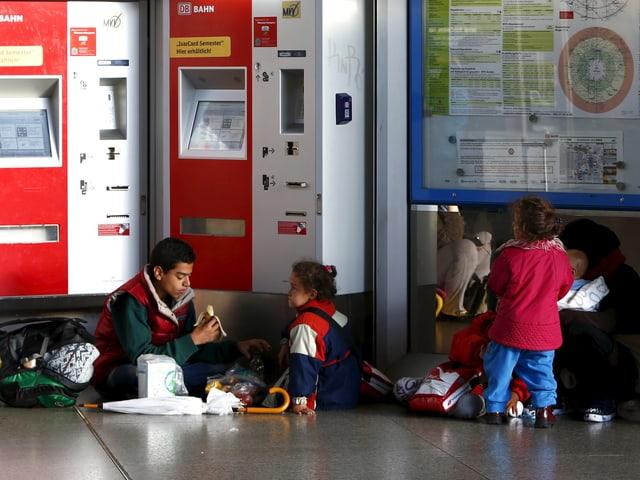 Flüchtlinge campieren im Bahnhof München