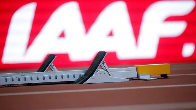 IAAF-Emblem hinter Startblock