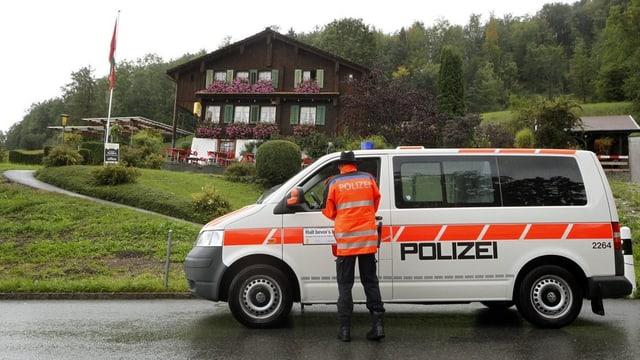 Polizeisperre im Kanton Schwyz