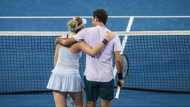 Federer e Bencic stattan en il final dal Hopman Cup.