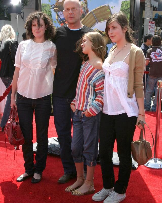 Rumer, Bruce, Tallulah  Belle und Scout LaRue.