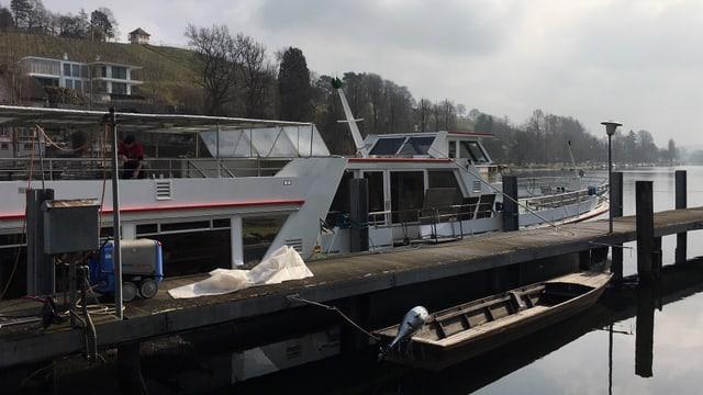 Das Falggschiff, neu motorisiert: Die MS Schaffhausen.