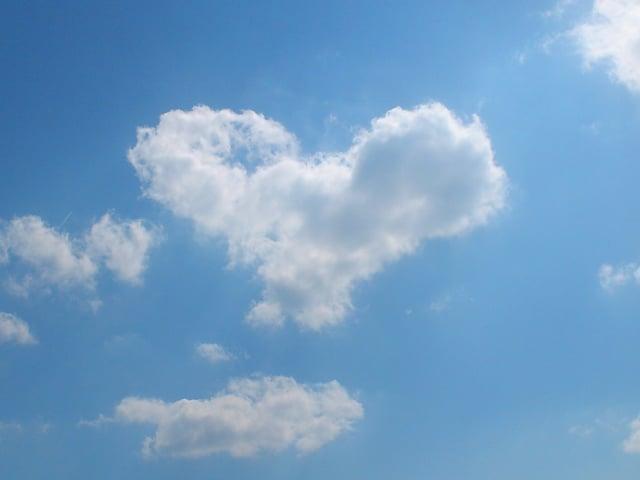 Ein Herz aus Wolken