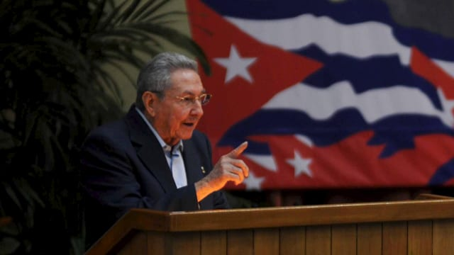 Raúl Castro spricht am Parteitag