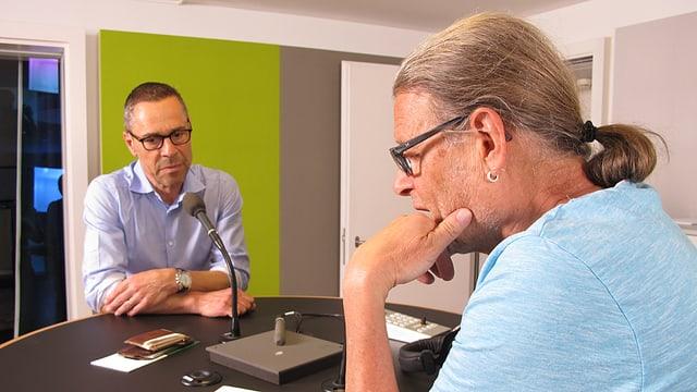 Matthias Hüppi im Radiostudio. Die Fragen stellt Fritz Bischoff.