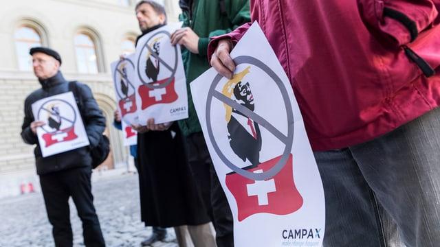 L'organisaziun Campax vulan fermar il president american.