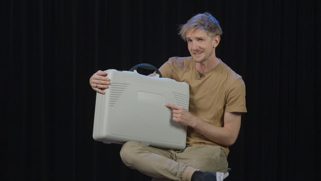 Video «Einfach Physik! - Kreisel im Koffer (5/5)» abspielen