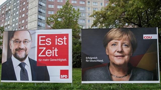 Placats da Martin Schulz ed Angela Merkel ad Erfurt.