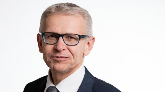 Porträit des Luzerner Gemeinde- und Nationalrats-Politikers Leo Müller.