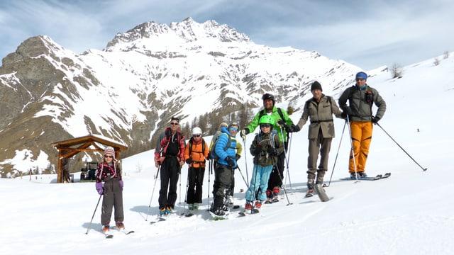 Il club da skis avant dus onns, davostiers il Piz Tschütta.