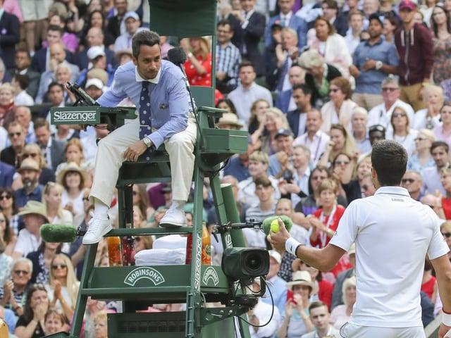 Damian Steiner (im Gespräch mit Novak Djokovic).