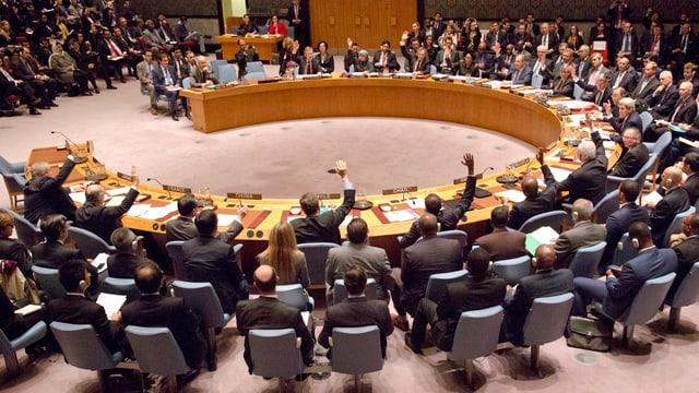 Il Cussegl da segirezza da l'ONU durant ina seduta.