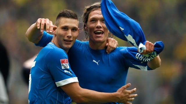 Hoffenheim (hier mit Niklas Suele und Jannik Vestergaard) hievt sich auf den Relegationsplatz.