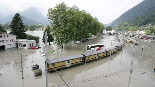 Überschwemmungen in Interlaken nach dem Unwetter 2005.