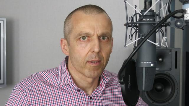 Stefan Weiss im Radiostudio