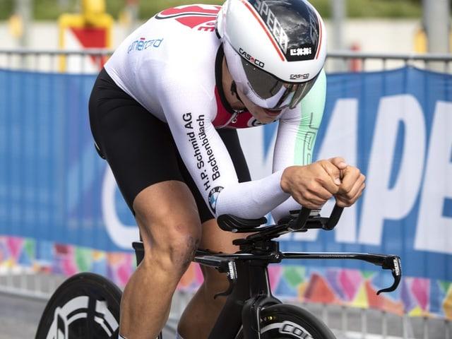 Stefan Bissegger holt an der Strassen-EM eine Medaille.