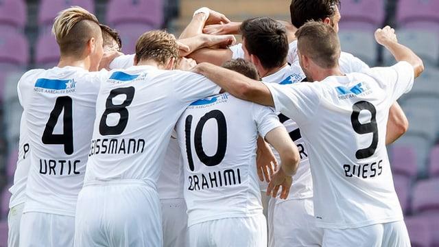 Die Spieler des FC Wohlen nach dem Sieg im Cupspiel gegen Servette im September 2014.