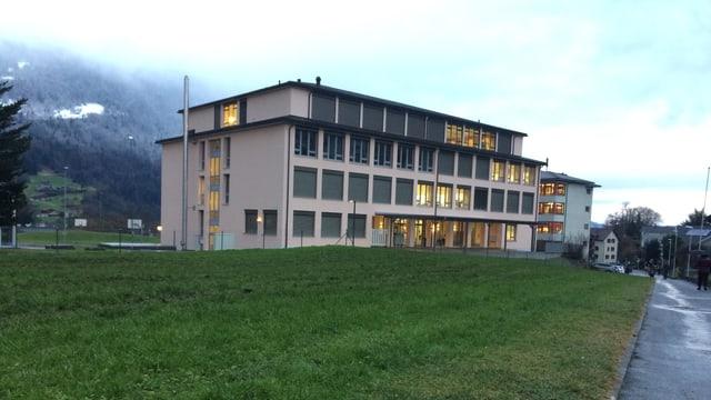 Auf dem Areal der Mittelpunktschule Oberarth soll das neue Schul- und Sportzentrum entstehen.