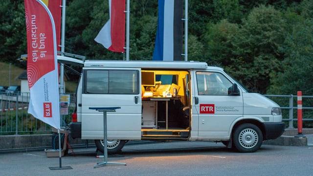 Bun'ura baud, il team da RTR è arrivà a Buseno ed è vid s'installar.