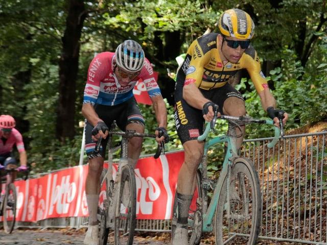 Mathieu van der Poel (l.) und Wout van Aert könnten sich auch in Flandern ein heisses Duell liefern.