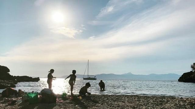 Mallorca ist nicht nur für sein Nachtleben bekannt, sondern auch für die idyllischen Buchten.
