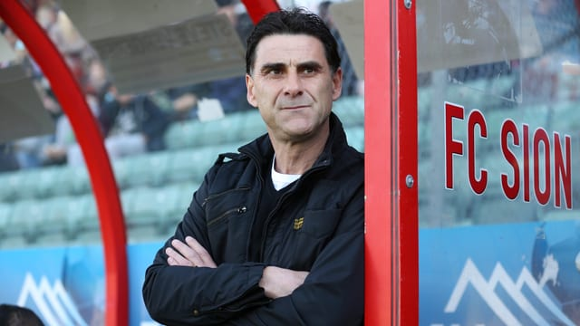 Didier Tholot coacht den FC Sion auch in der kommenden Saison.