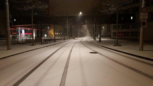 In Zürich gab es nur leichten Schneefall, aber die Strassen wurden rutschig.