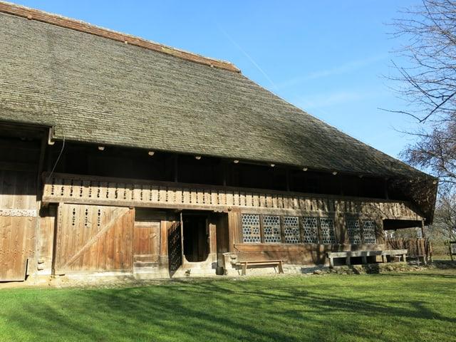 Bauernhaus, grosses Schindeldach