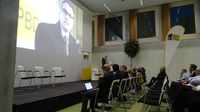 Andreas Felix, in dils candidats da la PBD vegn preschentà a la radunanza da nominaziun.