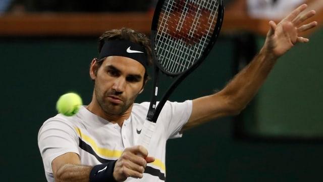Federer gioga tennis.