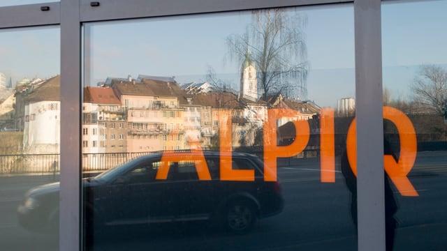 Glastüre mit der Aufschrift Alpiq