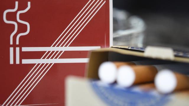 Signal scumandà da fimar ed in pac cigarettas.