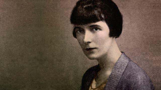 Porträt (nah) von Katherine Mansfield.