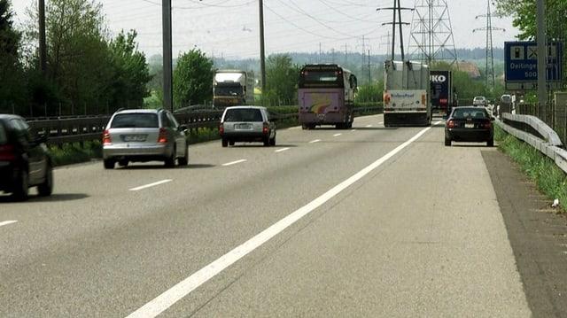 Die Autobahn A1 bei Luterbach SO.