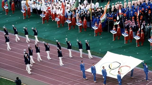 Eröffnungsfeier von Olympia 1980 in Moskau - viele Nationen fehlen.