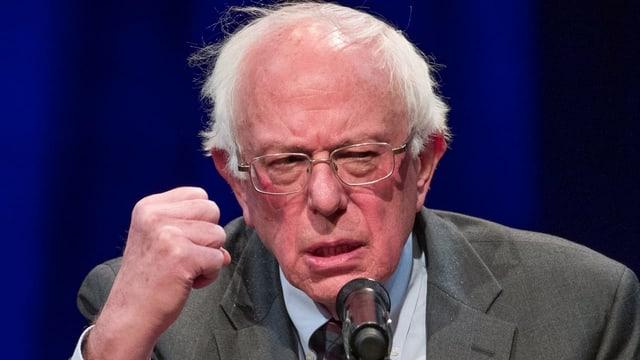 Il senatur american Bernie Sanders
