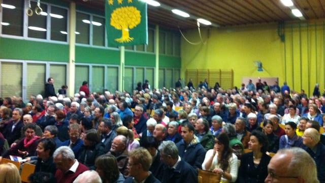 Blick über die Gemeindeversammlung