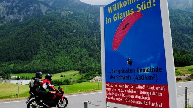Ortstafel Glarus Süd aus 2010