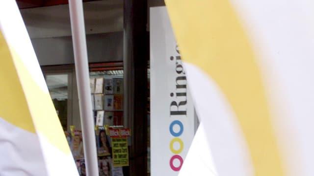 Il logo da Ringier, davon bandieras.