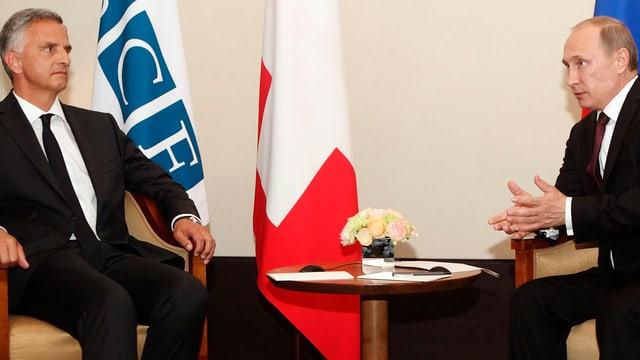 Bundespräsident Didier Burkhalter am 24. Juni  mit Wladimir Putin in Wien, Sitz des Sekretariats der OSZE.