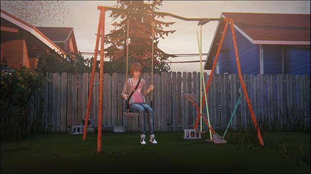 Max sitzt auf der Schaukel ihrer Kindheit.