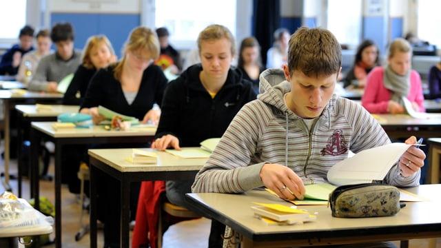 Schüler an einer Prüfung
